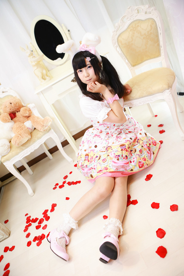 Lolita fashion Photos of Japanese. humi